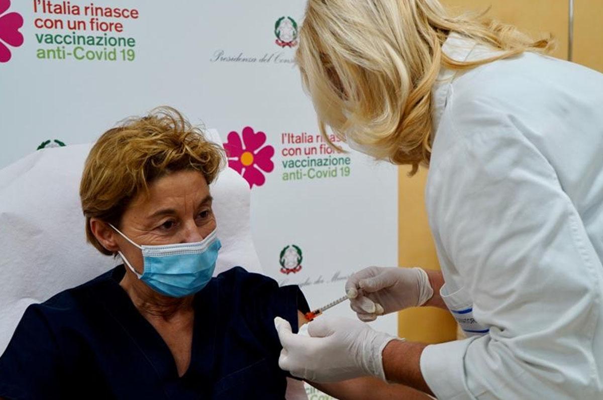 V-Day, ieri i primi vaccini contro il Covid