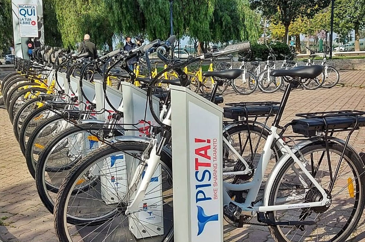 Taranto, da ieri attivo il servizio di bike sharing