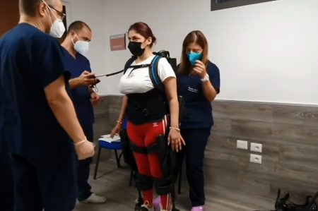 Tornare a camminare con l'esoscheletro